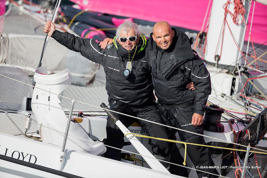 Erwan Le Roux et Vincent Riou pendant le convoyage vers Le Havre avant la transat