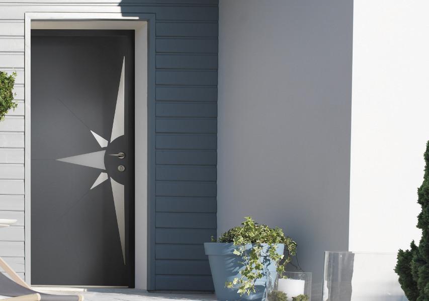 photo d'illustration d'une porte d'entrée Amuminium Désinéa